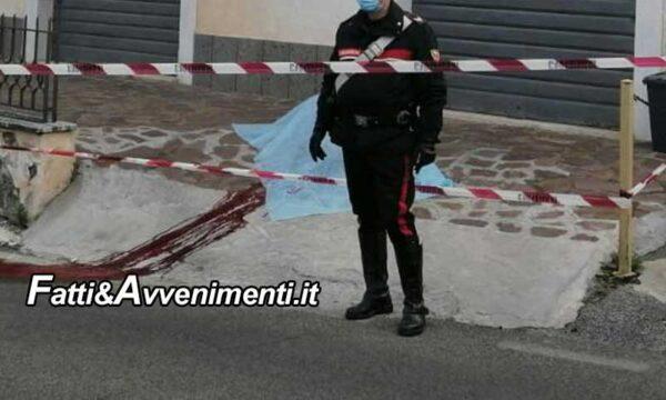Barrafranca (En), 42enne si lancia dalla finestra di casa per sfuggire all'arresto e muore: inutili i soccorsi