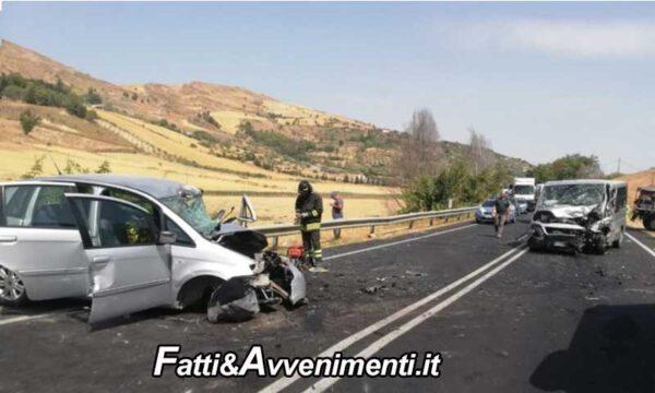 Enna. Scontro tra un'auto e un Van: perde la vita una ragazza di 21 anni e 9 i feriti, uno è gravissimo