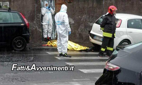 Gravina (CT), 53enne muore travolto dalla furia dell'acqua mentre esce dall'auto: inutili i soccorsi